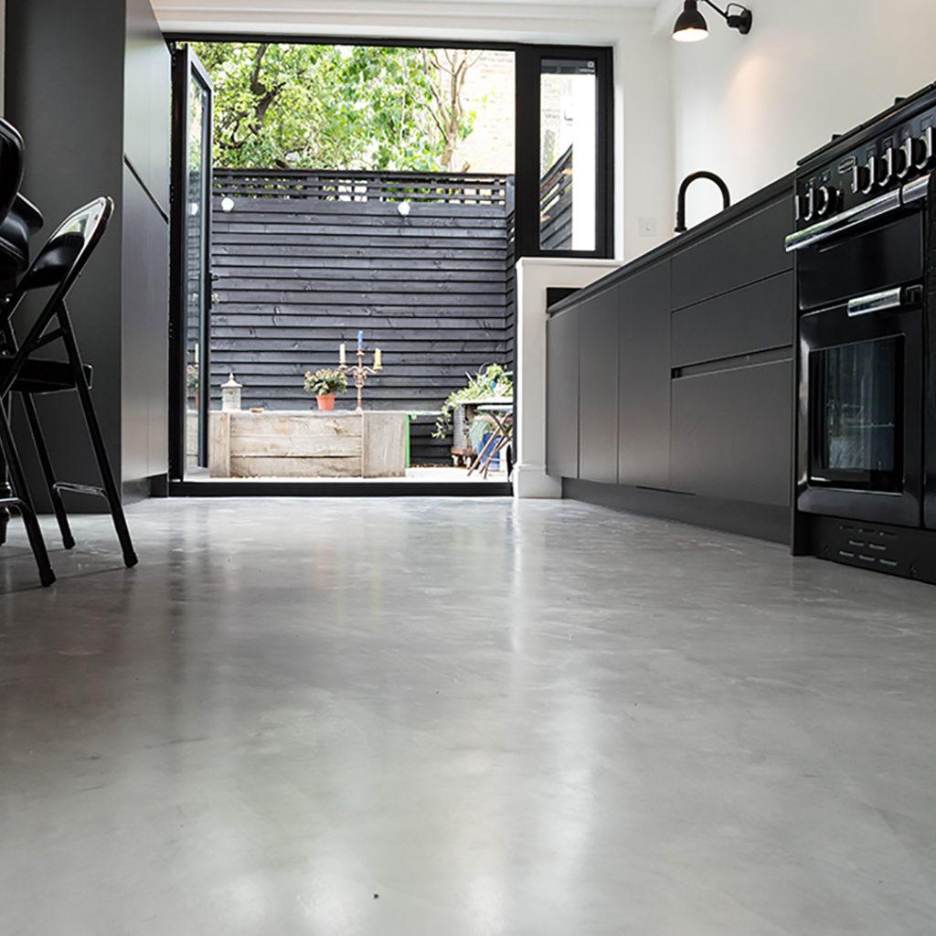Een betonvloer waterdicht maken met epoxy coating - Betondirekt